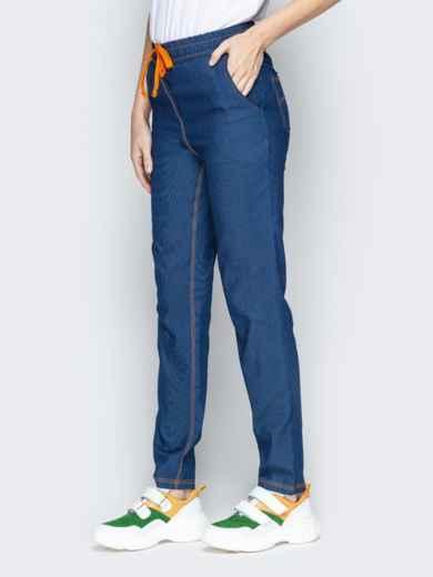 Лёгкие джинсы синего цвета на резинке по талии 21054, фото 2
