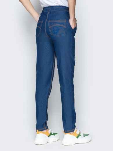 Лёгкие джинсы синего цвета на резинке по талии 21054, фото 3
