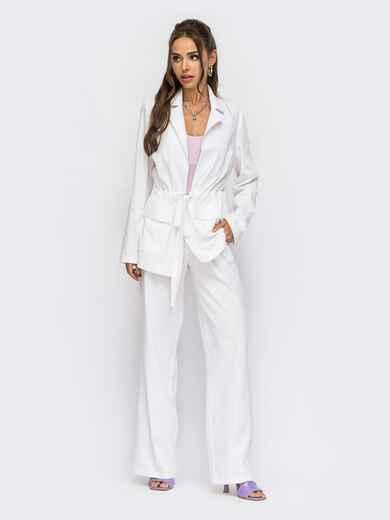 Брючный костюм с кулиской по талии на жакете белый 53988, фото 1