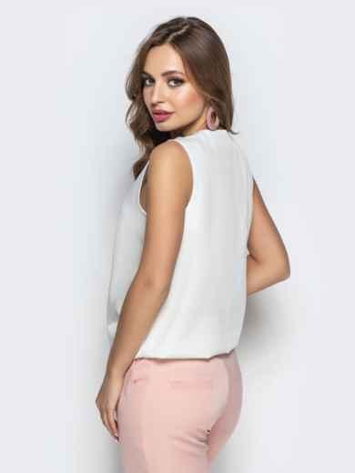 Белая блузка без рукавов с запахом 22274, фото 3