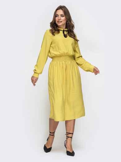Желтое платье с вафельной резинкой по талии 45343, фото 1