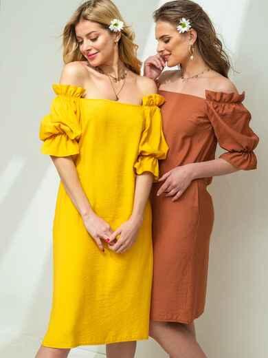 Желтое платье прямого кроя с открытыми плечами  45823, фото 1