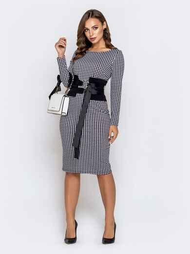 Обтягивающее платье чёрного цвета с принтом и контрастным поясом 40821, фото 1