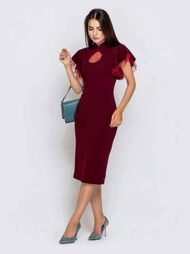 Бордовое платье-футляр с рюшами из фатина 40894, фото 1