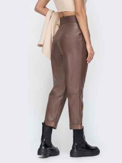 Коричневые брюки из эко-кожи с высокой посадкой 44736, фото 3