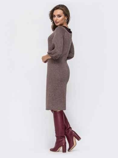 """Трикотажное платье с вырезом """"замочная скважина"""" на полочке коричневое 42576, фото 3"""
