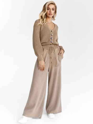 Вязаный костюм бежевого цвета из кофты и брюк 52920, фото 1