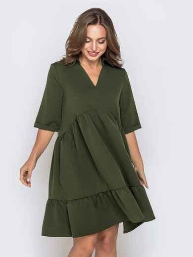 Платье цвета хаки с V-вырезом и воланом по низу 40755, фото 1
