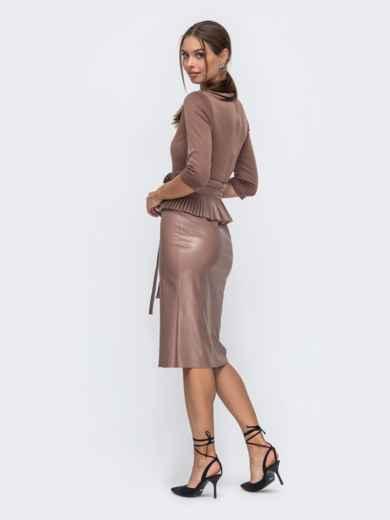 Комбинированное платье бежевого цвета с баской 50245, фото 2