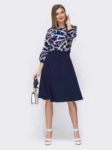 Тёмно-синее платье с принтом и расклешенной юбкой 45778, фото 1
