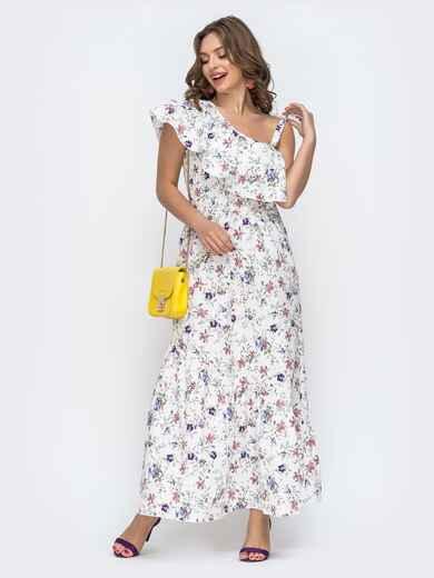 Платье с принтом и открытым плечом белое 46867, фото 1