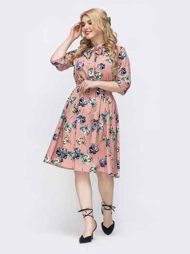 Розовое платье батал с принтом и воротником-аскот 46273, фото 1