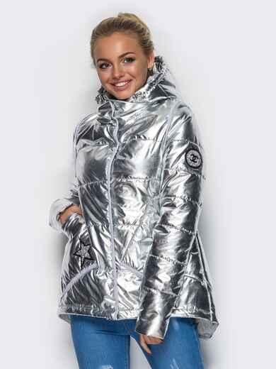 Куртка серебристого цвета с удлиненной спинкой 15048, фото 1