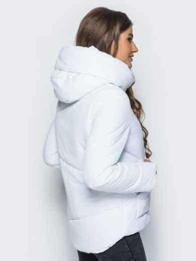 Стёганая куртка с капюшоном и объемными карманами белая 14699, фото 3
