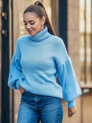 Голубой свитер с объемными рукавами и высоким воротником 50376, фото 2