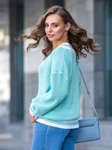 Бирюзовый свитер свободного кроя с контрастными вставками 41201, фото 3