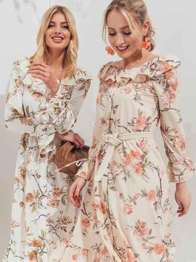 Платье с принтом и воланом по вырезу бежевое 45551, фото 1