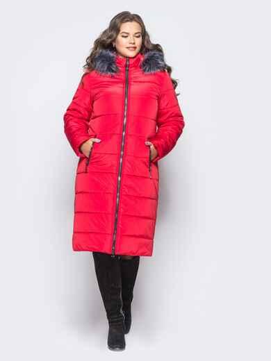 Зимняя удлиненная куртка красного цвета со съемным капюшоном 16744, фото 1