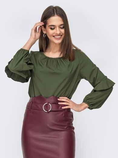 Блузка цвета хаки с присборенными манжетами и вырезом 44072, фото 1
