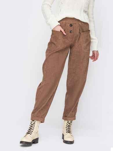 Вельветовые брюки коричневого цвета с декоративными пуговицами 52901, фото 1