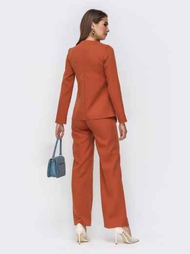 Брючный комплект коричневого цвета с асимметричной блузкой 42415, фото 2