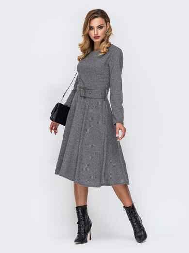 Приталенное платье в клетку с широким поясом в комплекте серое 42383, фото 1
