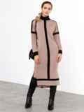 Бежевое платье с воротником-стойкой и контрастными вставками 52462, фото 2
