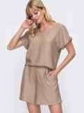 Костюм бежевого цвета из свободной блузки и шорт 49137, фото 2