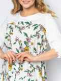 Расклешённое платье батал в цветочный принт белое 53600, фото 3