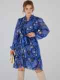 Платье-трапеция батал с принтом и воротником-аскот голубое 53360, фото 3