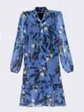 Платье-трапеция батал с принтом и воротником-аскот голубое 53360, фото 6