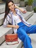 Принтованная блузка с эффектом тай-дай и нагрудным карманом белая 54615, фото 1