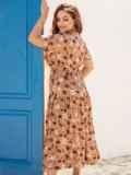 Расклешенное платье батал с цветочным принтом коричневое 54388, фото 3