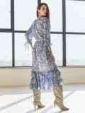 Шифоновое платье-миди с принтом и воланом по низу синее 54815, фото 4