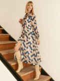 Бежевое платье из шифона с принтом и воротником-аскот 53053, фото 3
