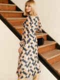 Бежевое платье из шифона с принтом и воротником-аскот 53053, фото 6