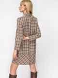 Платье-трапеция в клетку с фигурным вырезом бежевое 52880, фото 4