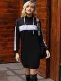 Спортивное платье из двунитки с капюшоном черное 52626, фото 4