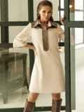 Замшевое платье-рубашка с кокеткой из экокожи бежевое 52967, фото 4