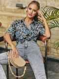 Серая блузка из штапеля с принтом и коротким рукавом 54637, фото 2