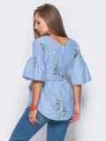 Приталенная блузка с оранжевым принтом с рукавами-воланами 10158, фото 4