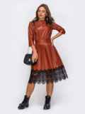 Платье из искусственной кожи терракотового цвета с кружевной отделкой 50228, фото 2