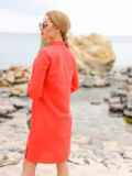 Коралловое льняное платье-рубашка прямого кроя с пуговицами 12546, фото 2