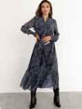 Расклешенное платье с принтом и воланом по низу графитовое 52469, фото 3