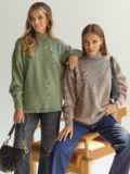Бежевый свитер с высокой горловиной и удлиненной спинкой 54929, фото 2