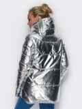 Куртка серебристого цвета с удлиненной спинкой 15048, фото 3