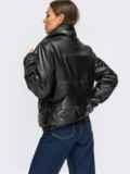 Короткая демисезоная куртка из экокожи черная 54983, фото 3