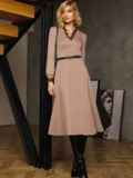 Бежевое платье с треугольным вырезом и расклешенной юбкой 52665, фото 3