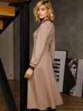 Бежевое платье с треугольным вырезом и расклешенной юбкой 52665, фото 6