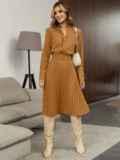 Бежевое платье из костюмной ткани с юбкой-плиссе 55499, фото 1